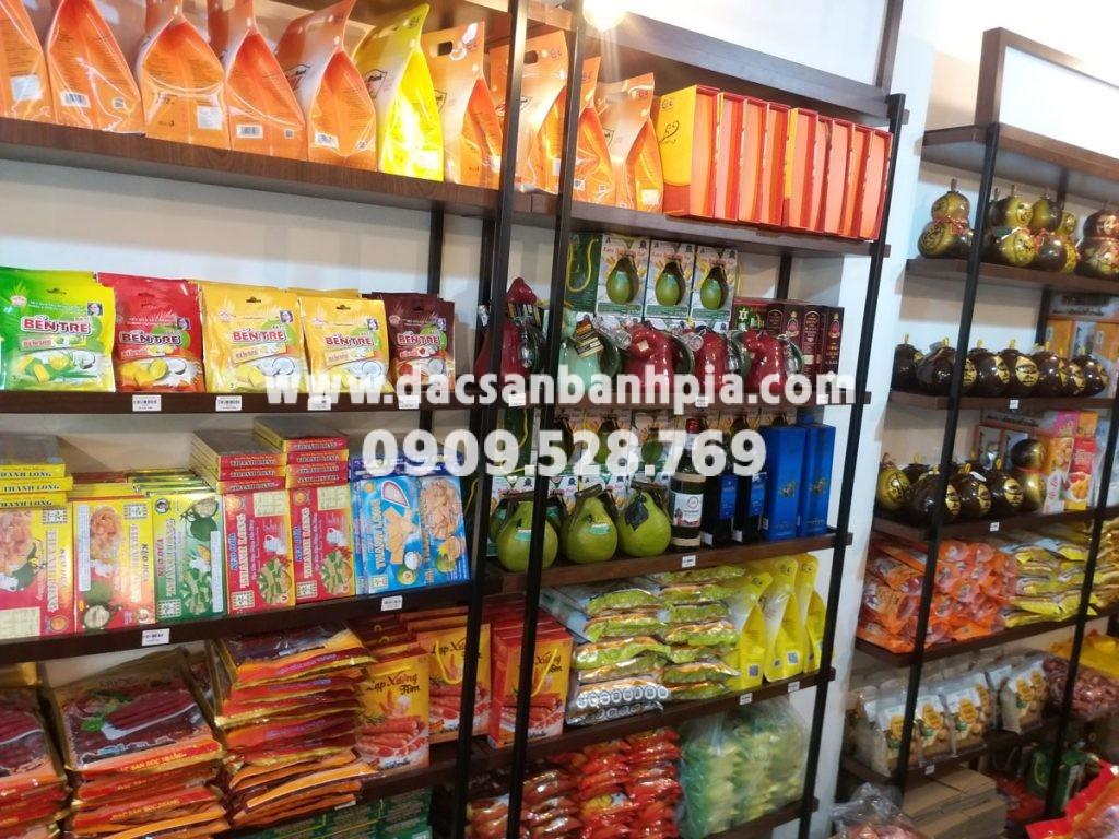 Cửa hàng chuyên đặc sản Sài Gòn làm quà