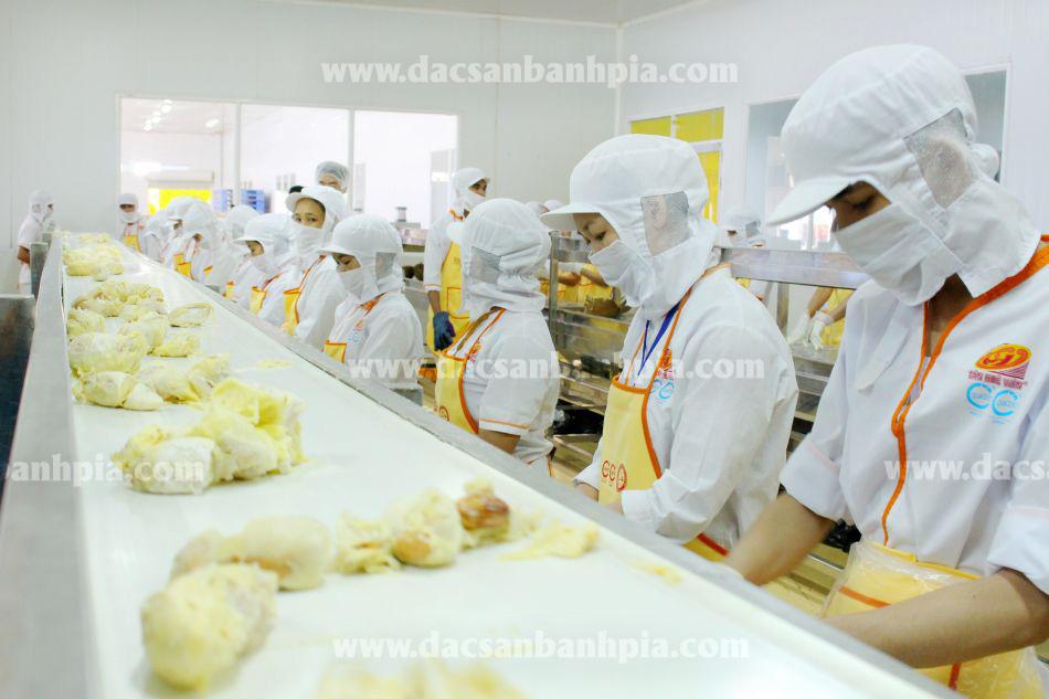 Xưởng bánh pía