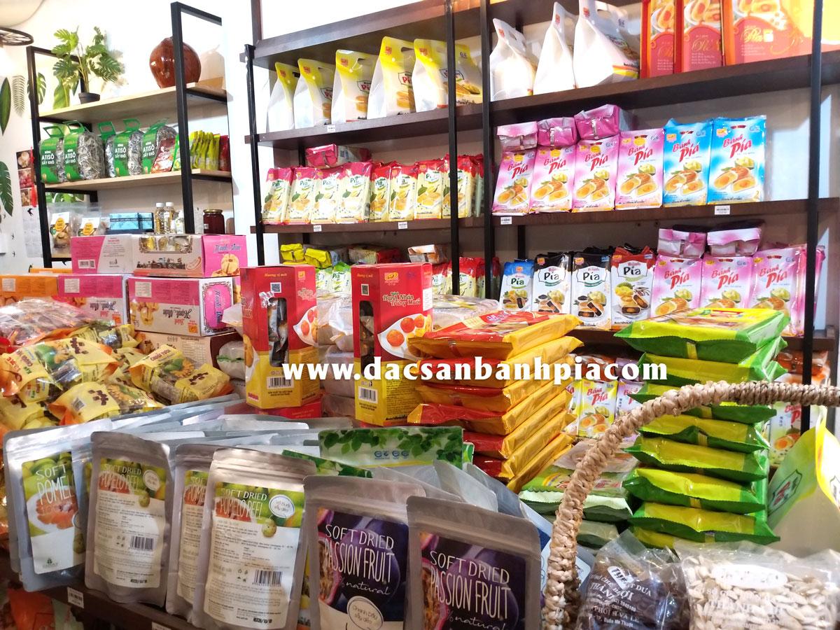 Cửa hàng bánh pía gần sân bay Tân Sơn Nhất ở đâu?