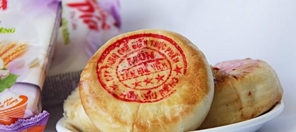 Mua bánh pía tại quận 7